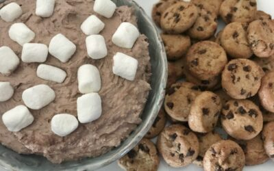 Hot Cocoa Cheesecake Dip